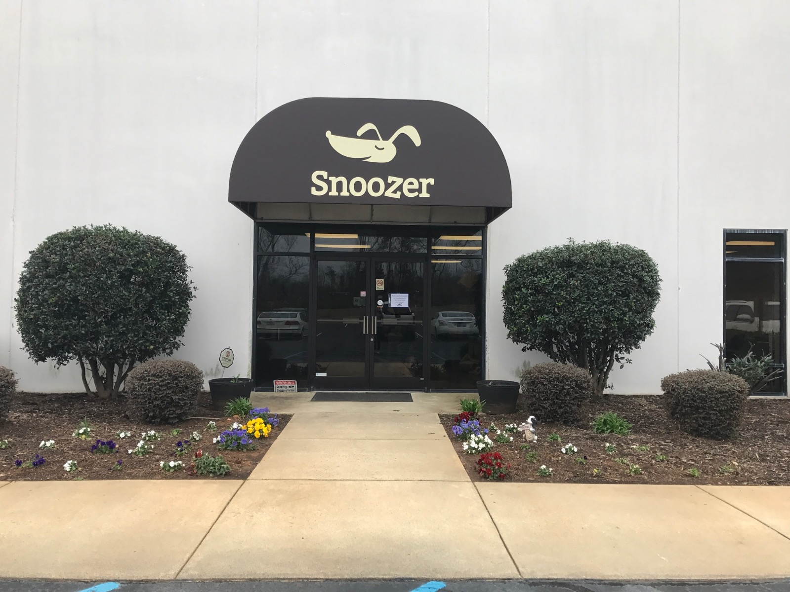 Snoozer Pet Products Factory